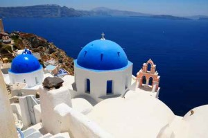 Intense crisp white and royal blue are the epitomy of Greece - at least to me...